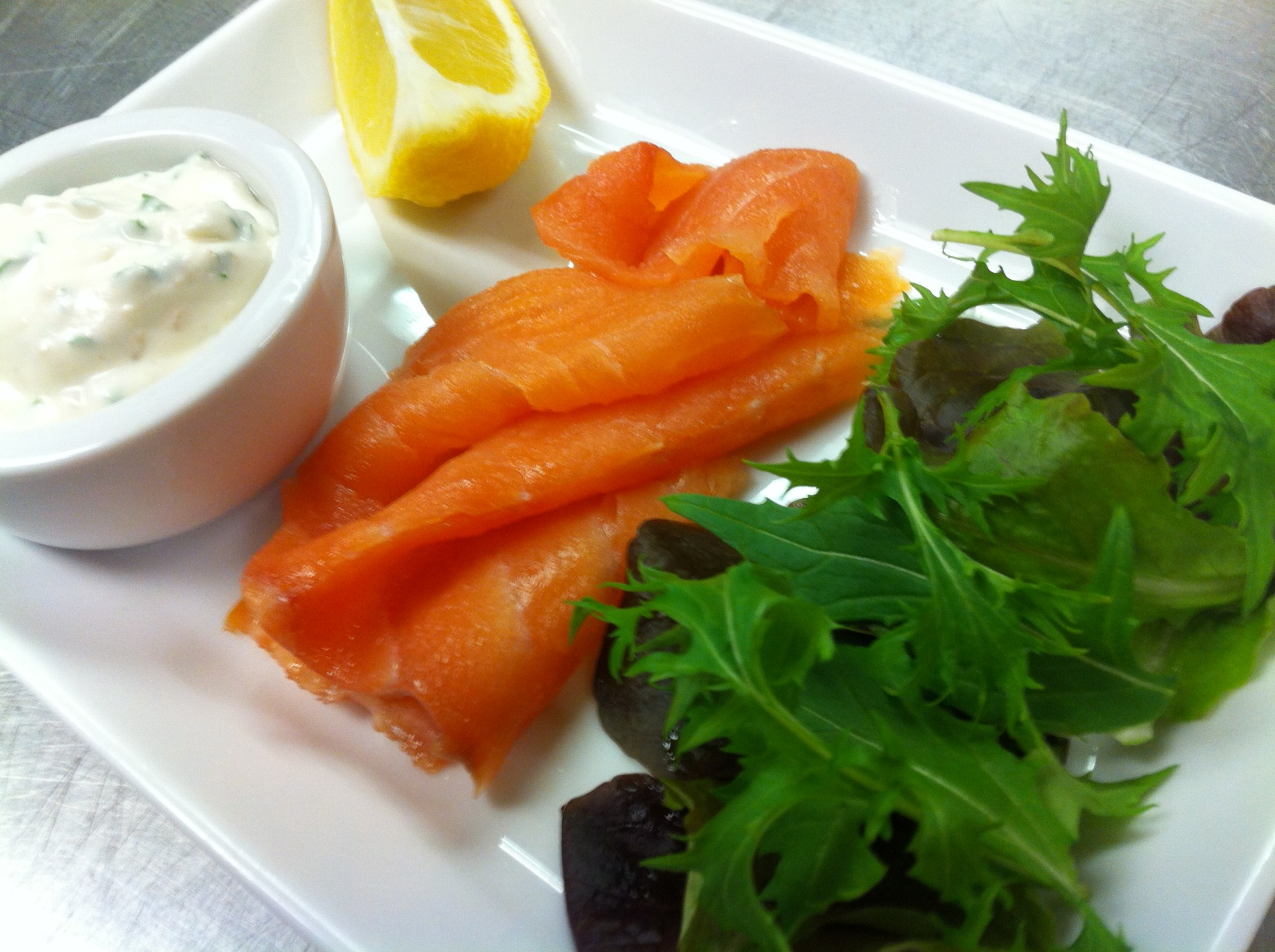 Vegetarian ideas for Smoked salmon roulade canape