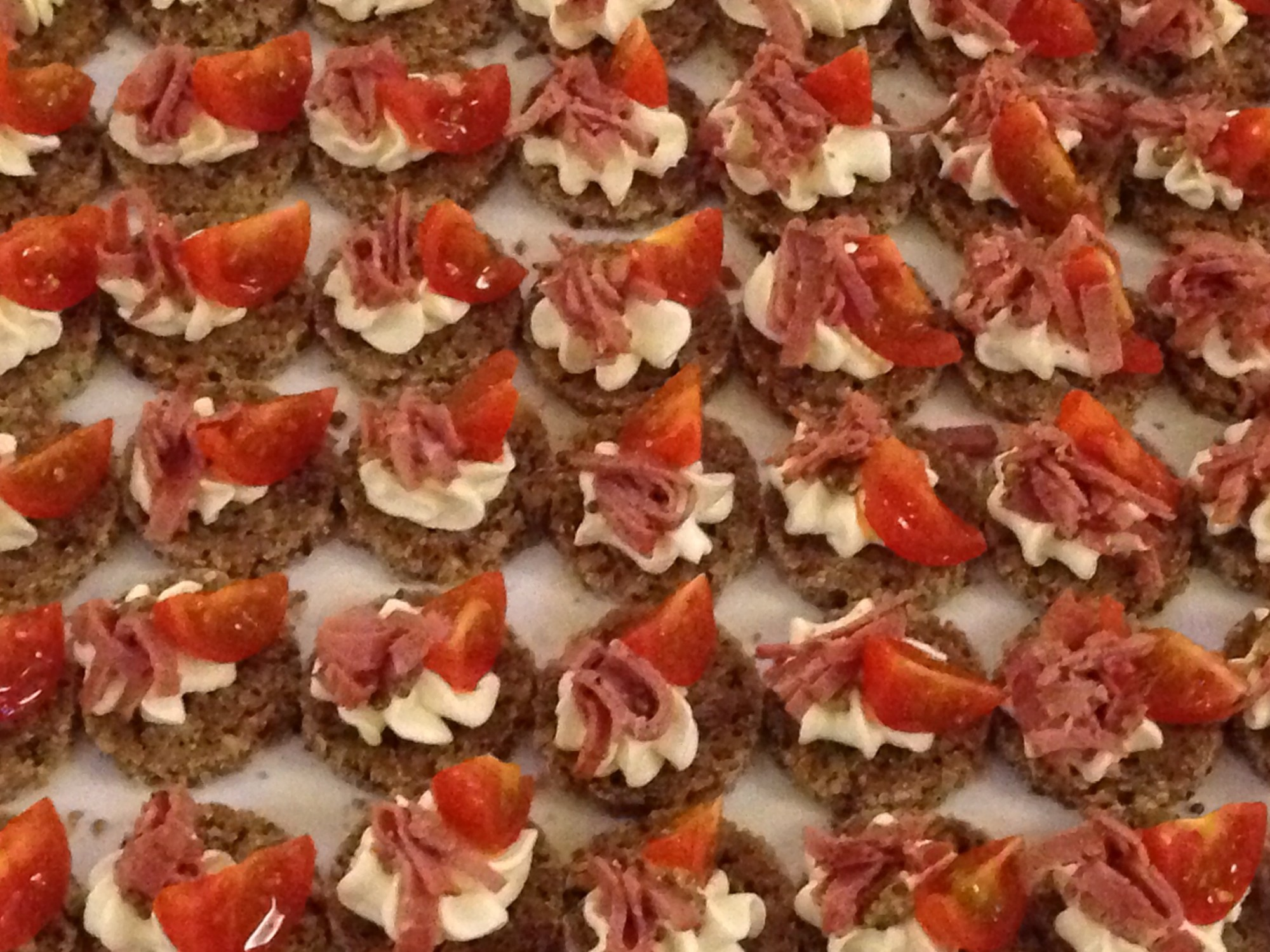 Canapes green fig catering company for Canape catering
